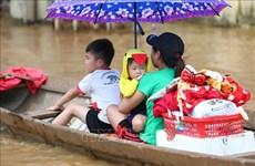国内外组织和个人积极响应为中部灾区民众捐赠活动