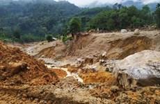 政府例行新闻发布会:必须加大对救灾工作的投资力度