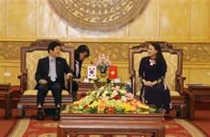 韩国国会议长朴炳锡对宁平省进行工作访问