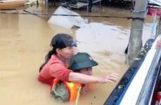 联合国人口基金向越南中部各省遭暴雨洪水影响的妇女和女童提供援助
