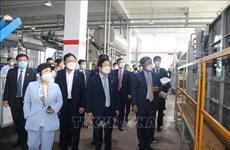 韩国国会高级代表团访问同奈省企业