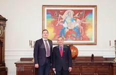 乌克兰越南友好协会主席会见即将离任的越南驻乌克兰大使阮英俊