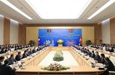 积极为即将召开的越老政府间合作委员会第43次会议做好准备