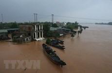 政府总理决定从中央预算中拨出6700亿越盾支持中部灾民开展灾后重建工作