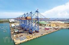 越南斗山为Gemalink国际港移交2台巨型起重机