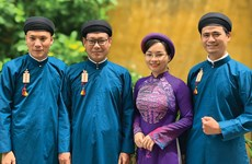 越南努力保护传统男士奥黛遗产