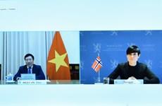 越南政府副总理兼外长范平明与挪威外交大臣瑟雷德通电话
