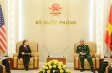 越南国防部副部长阮志咏上将会见美国国际开发署驻越南首席代表