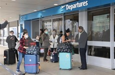 新冠肺炎疫情:将在澳大利亚和新西兰滞留的340多名越南公民安全接回国