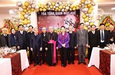 越南国会主席阮氏金银看望慰问顺化总教区
