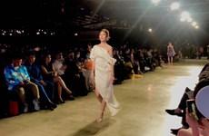 2020年越南国际时装节吸引400名模特和歌手演员参加