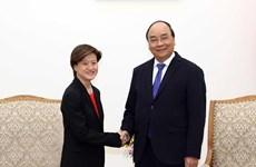 越南政府总理阮春福会见新加坡驻越大使