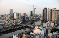 越共十三大:外国记者高度评价越南发展潜力