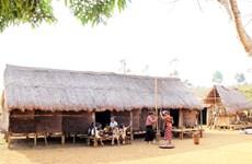 周麻族同胞盖长屋    致力于保护民族传统文化