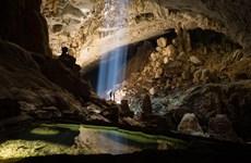 探索广平省宏伟壮观、丰富多样的钟乳石系统的天堂洞后段七公里