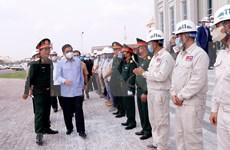 老挝领导实地走访调研由越南援建的国会大厦工程建设进度