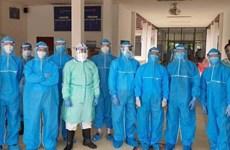 """越南""""白衣战士""""热情帮助老挝抗击新冠肺炎疫情"""