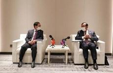 越南外交部长裴青山会见柬埔寨副首相兼外交和国际合作部大臣布拉索昆