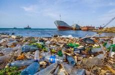 东盟国家代表参加减少亚太地区塑料污染创新挑战赛