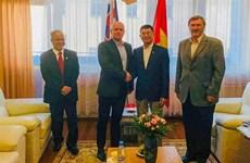 斯洛伐克共产党希望同越南共产党保持密切合作