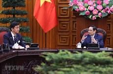 越南政府总理范明政会见日本防卫大臣岸信夫