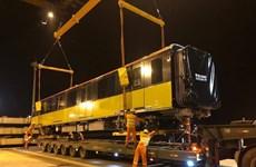 呠——河内火车站城铁第九批列车运抵越南