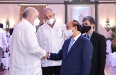 阮春福访古:会见古巴外贸外资部部长马尔米耶卡 造访基因工程和生物技术中心