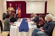 越南驻法大使会见法越友好协会主席