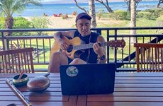 越裔爵士音乐家朱利安·观越黎——向世界传授越南传统音乐的使者