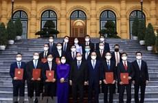越南国家主席阮春福会见驻外大使和代表机构代表