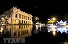 河内市为确保安全接送游客到安全区域做好准备
