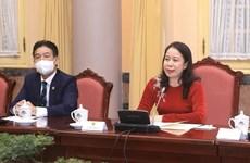 越南国家副主席会见各国驻越女大使和女代办
