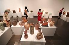 越南艺术陶瓷展开展数百件独特精美作品亮相