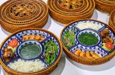 报道美朝领导人第二次会晤媒体记者的菜肴(组图)