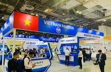 """2019新加坡国际通信展:""""越南制造""""技术产品给参观者留下深刻印象"""