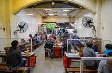 组图:停止社会距离措施,河内各家河粉店开门迎客