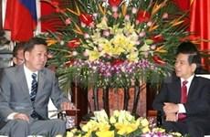 阮明哲主席会见蒙古国防部长