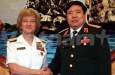越南国防部长会见美国国防学院院长