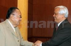 美国参议院临时议长访问越南