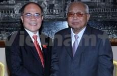 国会主席阮生雄会见柬埔寨参议院主席谢辛