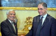 国会副主席汪周刘对意大利进行工作访问