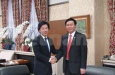 阮晋勇总理会见日本参议院副议长尾辻秀久