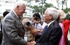 加拿大总督探访胡志明市和茶荣省