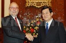 越南领导分别会见巴西驻越大使