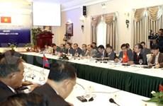 越南外长范平明会见柬埔寨外交与国际合作部代表团