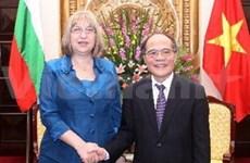 越南国会主席阮生雄与保加利亚国民议会主席举行会谈