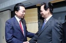越南政府总理阮晋勇会见日本前首相