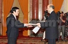 越南国家主席会见各国新任驻越大使