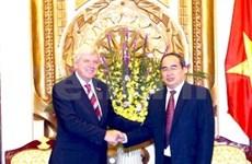 越南领导人会见德国黑森州州长