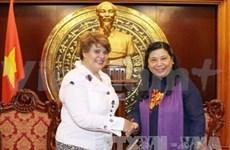 越南国会副主席会见UNICEF驻越南首席代表